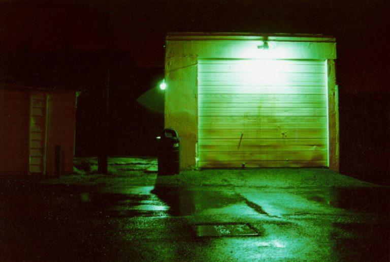 Jak prawidłowo zaplanowac oświetlenie garażowe?
